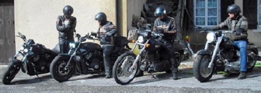 A group of motorbikers at motorbike friendly Fontaines d'Escot